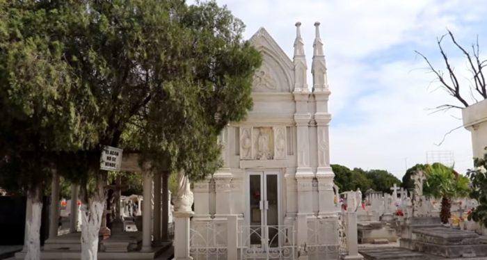 mausoleo de dimas de leon